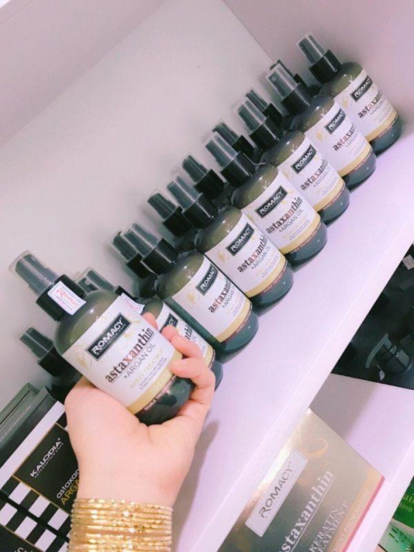 Xịt dưỡng tóc Romacy - phục hồi tóc đơn giản tại nhà